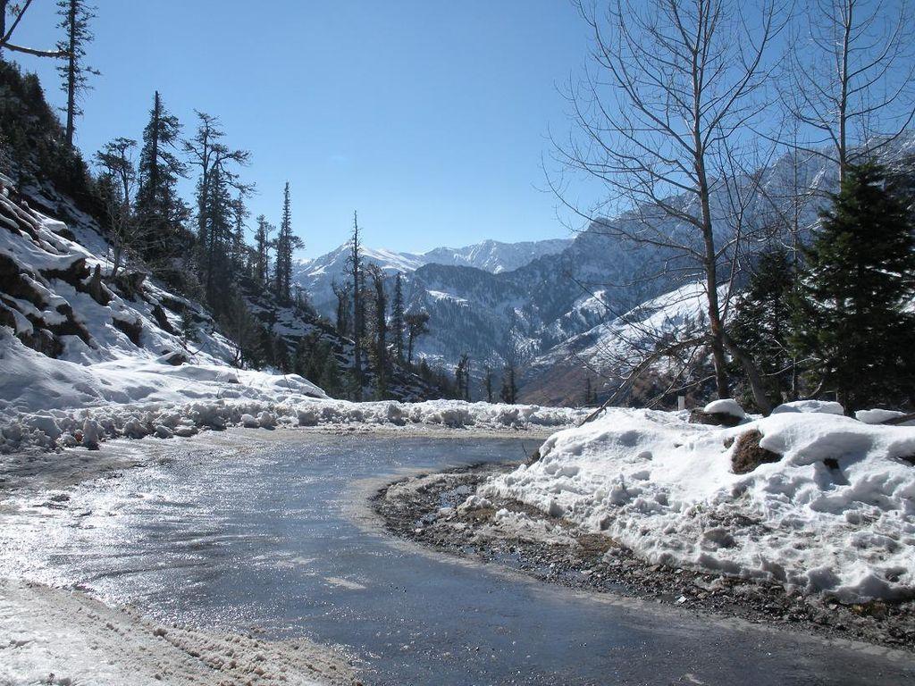 manali-snowfall